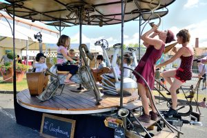 le-cacophonium-manege-theatre-a-pedales